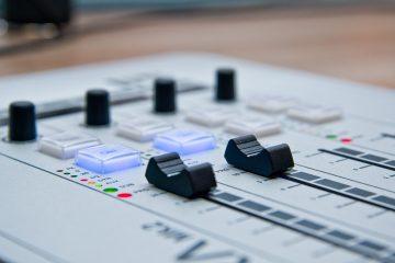 radio-1475054_1920