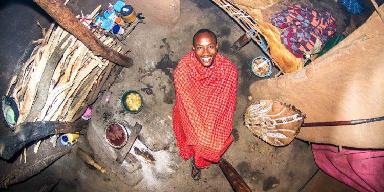 Ezikijel, 22 godine, ratnik, Eho Manjata (Kenija) / Photo: John Thackwray