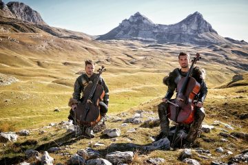 2 CELLOS/ Photo: Promo