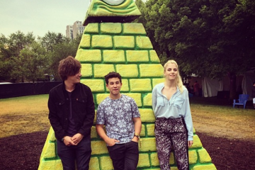London Grammar/ Photo: Facebook @londongrammar
