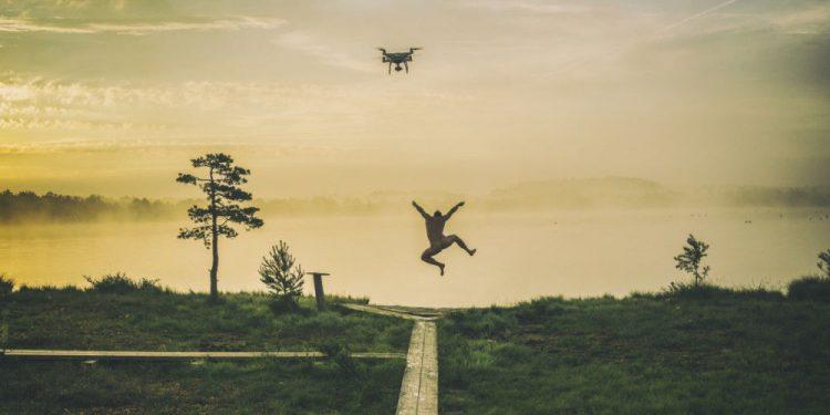 """© FOTO: ROMAN NEIMANN/SKYPIXEL """"Veselo jutro"""" – prvo mesto u kategoriji """"Profesionalci – dronovi u akciji"""""""