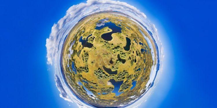 "© FOTO: PAUL OOSTVEEN/SKYPIXEL ""Skrivena jezera u 360°"" – drugo mesto u kategoriji ""Profesionalci – fotografije od 360°"""