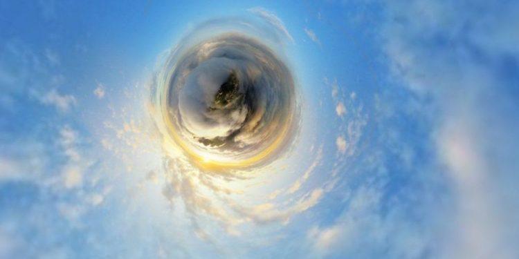 "© FOTO: 陈军/ SKYPIXEL ""More oblaka na planini Laođuen"" – treće mesto u kategoriji ""Entuzijaste – fotografije od 360°"""