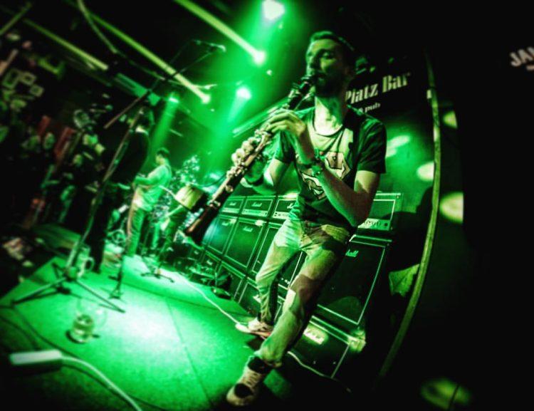 Gitarinet, Wurst Platz/Promo