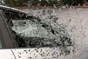 car-accident-337764_1280