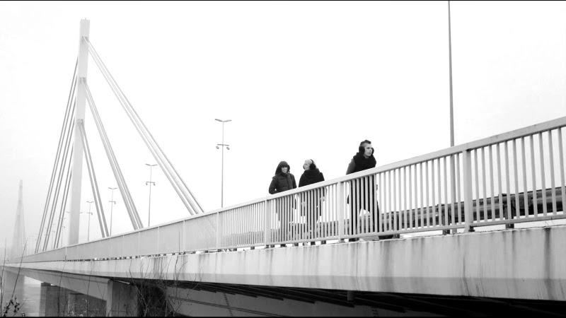 Tri kapljice/ Photo: Promoa