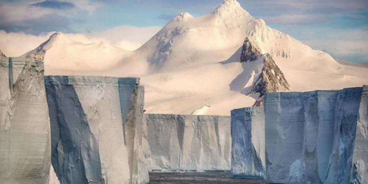 "Džozelin Kornu (Francuska) – ""Tabelarni lednik"""