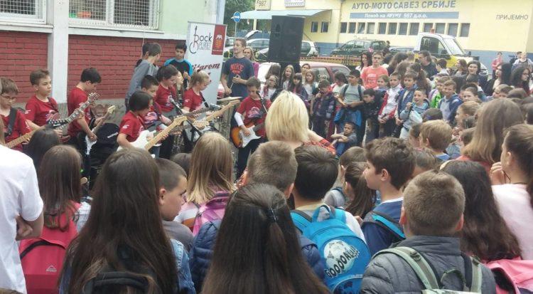 Gitarom kroz škole/Photo: Rok Planeta, Dragan Paunović