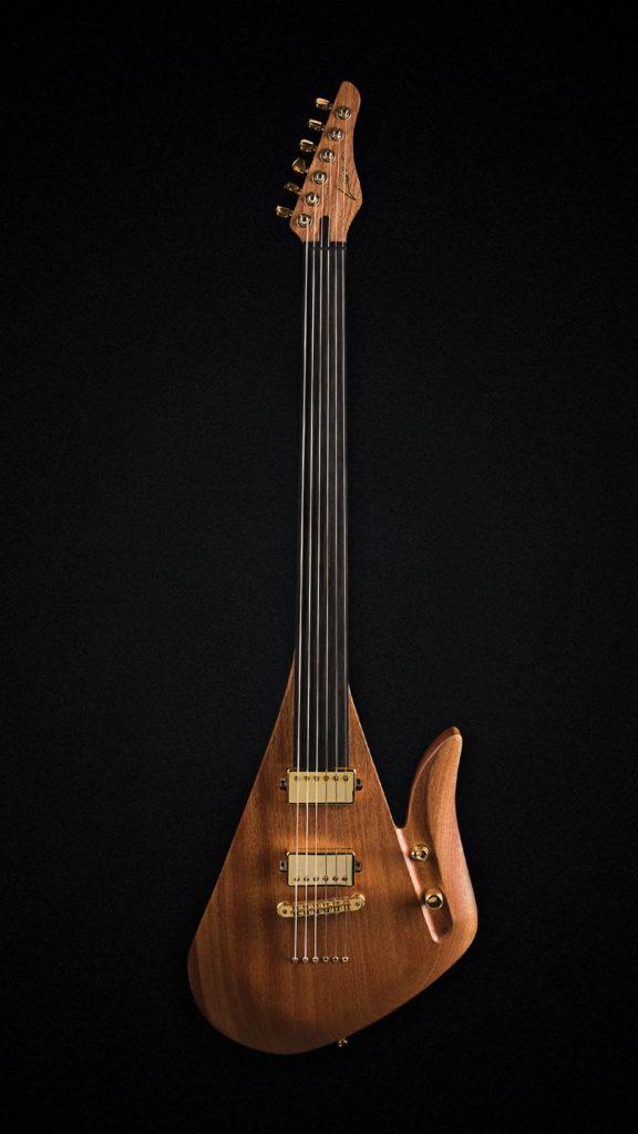 Lava Fretless Drop - fretless električna gitara izrađena iz jednog komada retkog sapele drveta
