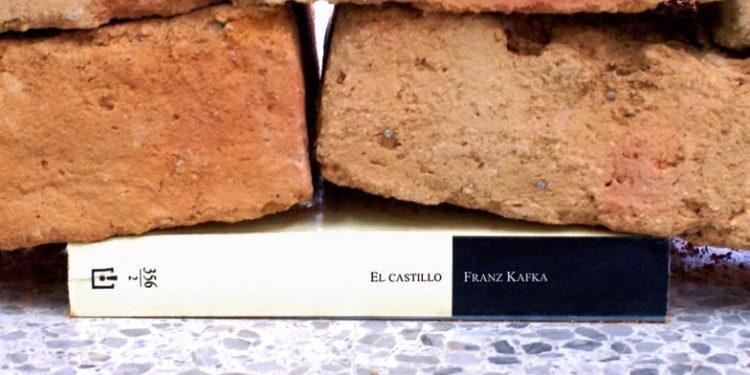 "Knjiga ""Zamak"", Franc Kafka/Photo: Twitter printscreen"