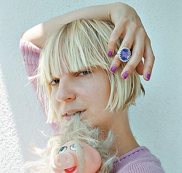 Sia/Photo: facebook@SiaMusic