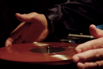 Deadwax/Photo: YouTube printscreen