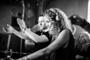 Monika Kruz/Photo: Ryan Dinham , promo