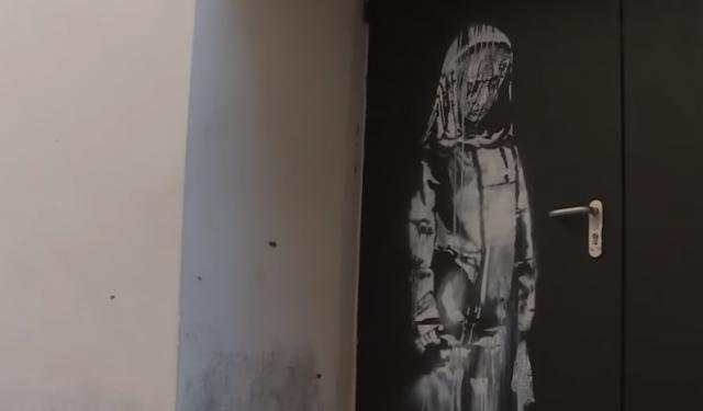 Benksijev mural na vratima Bataklana/Photo: YouTube printscreen