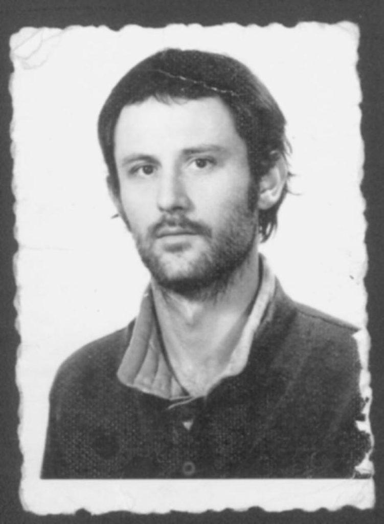 Džonijeva fotka iz zvaničnih dokumenata