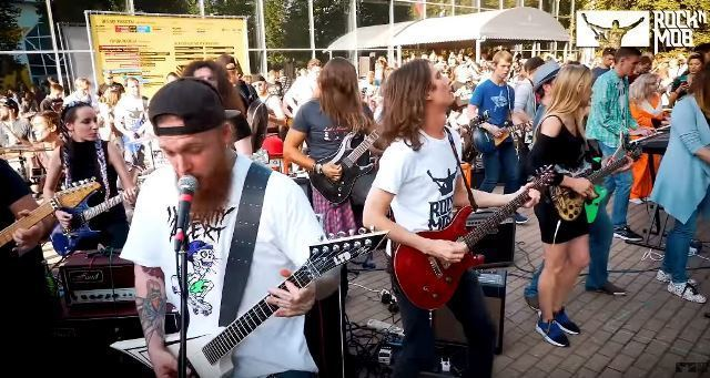 Flash mob/Photo: YouTube printscreen