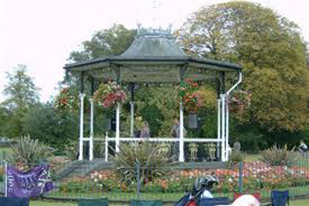 Croydon Road Recreation Ground stage/Photo; spacehive.com