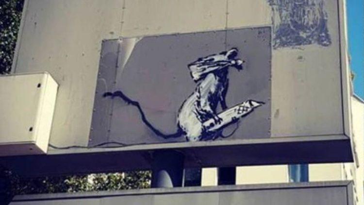 Pacovc s nožem by Banksey/Photo: YouTube printscreen