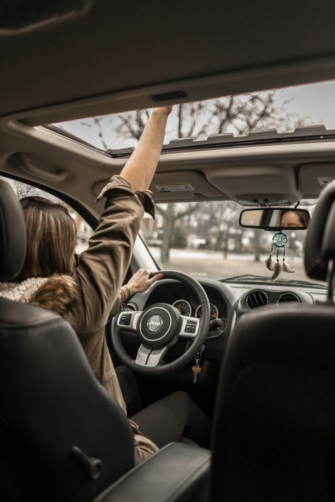 Devojka vozač/Photo: Pexels
