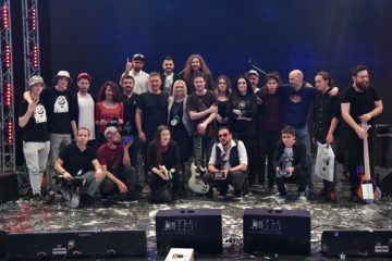 Laureati 5 Bunt rok festivala sa autorkom i delom produkcionog tima festivala/Photo: Goradn Jović