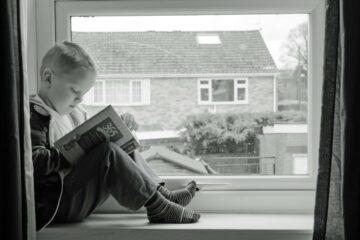 Dečak, knjiga/Photo: Pixabay