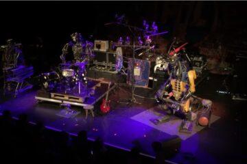 One Love Machine/Photo: YouTube printscreen