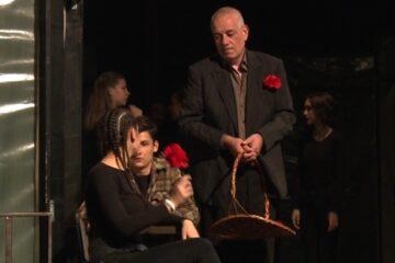 Davitelj protiv davitelja, pozorišna predstava/Photo: Yimeo printscreen