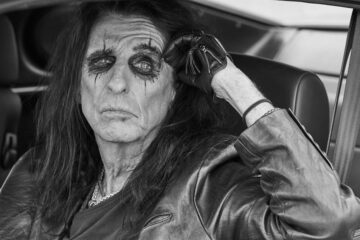 Alis Kuper/Photo; Jenny Risher)/promo/facebook@AliceCooper