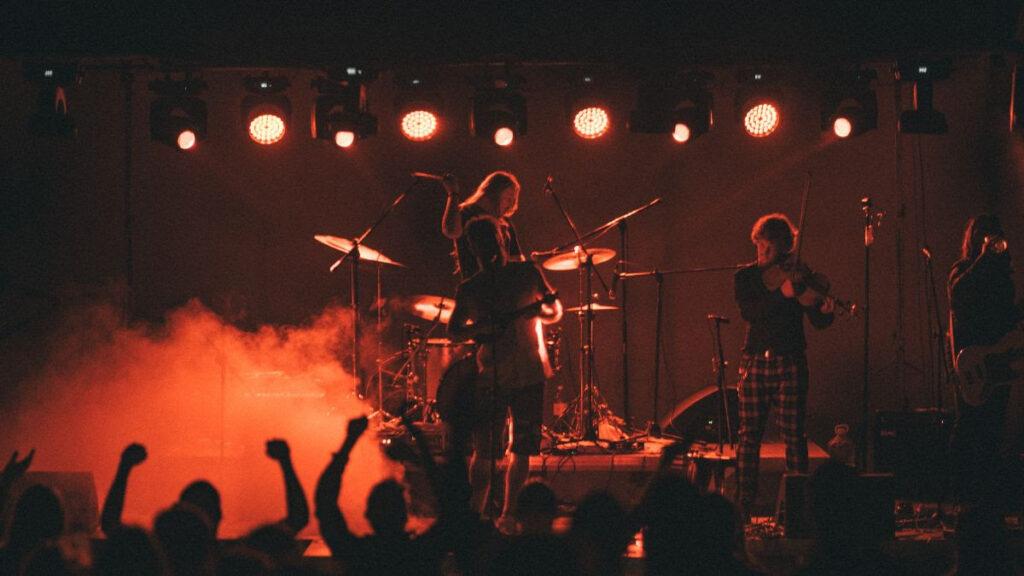 Ogenj/ Photo: Zračni Aleks (promo, Dancing Bear)