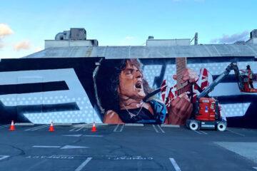 Edi Van Hejlen. mural/Photo: Guitar Center