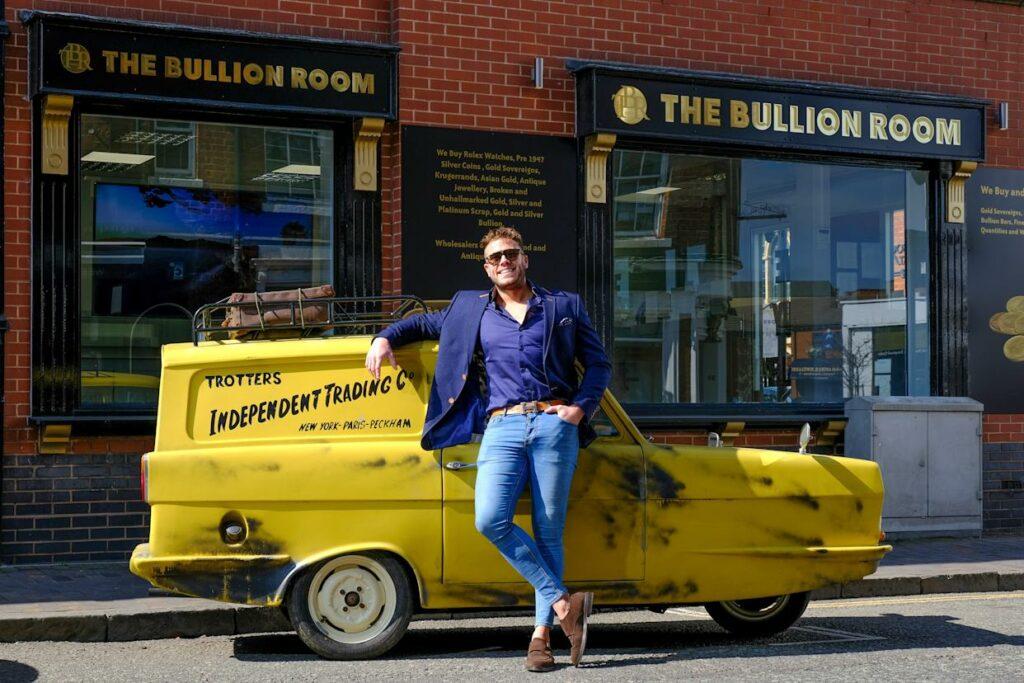 Dejl Bidl i njegov Reliant Rebel Supervan lll /Photo: printscreen