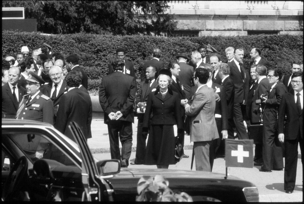 Državnička sahrana, sahrana jedne države/ Photo: Imre Sabo (promo, Beogradski mesec fotografije)
