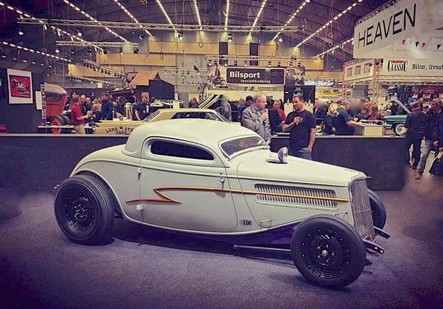 1933 Ford 'Wiskeyrunner' Coupe/Photo: motorious.co/pinterest