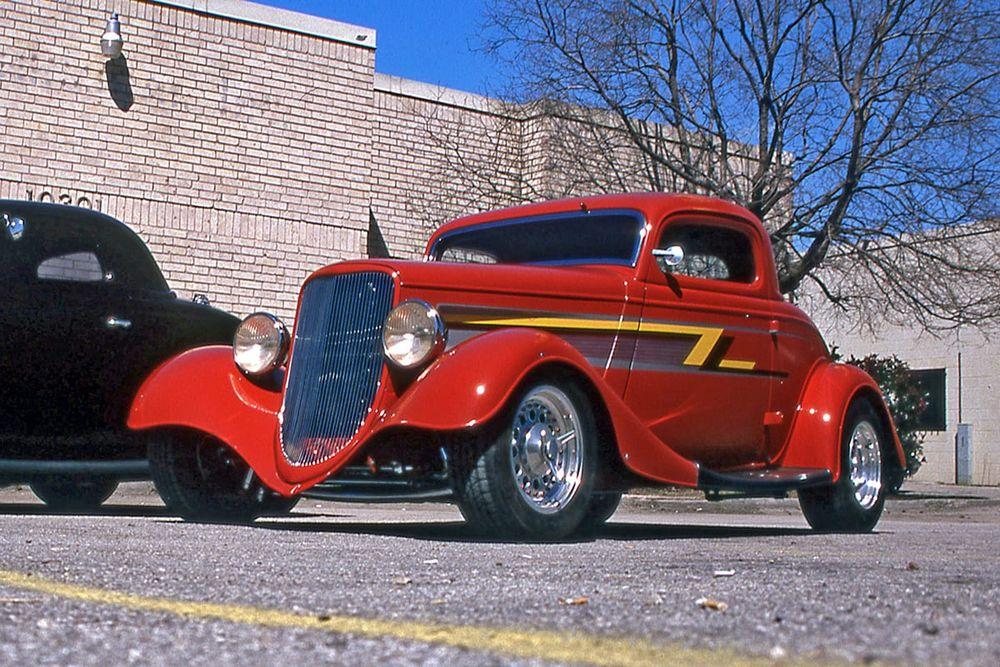 1933 Ford 'Eliminator' Coupe/Photo: motorious.co/pinterest