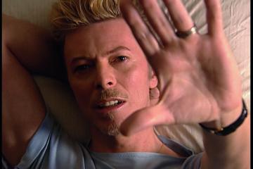 Dejvid Bouvi/Photo by - (c) David Bowie Archive (R)